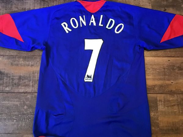 free shipping 004f5 1ebef Cristiano Ronaldo Classic Football Shirts Vintage Retro Old ...